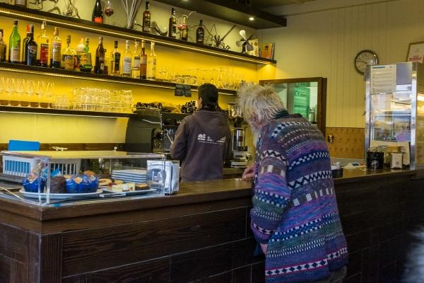 ein Cafe, ein Campari