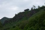 ... derselbe Tempel aus dem Tal betrachtet.