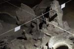 ...über 6000 Jahre alt das Holz was da herausragt