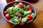 Zu Mittag gab es natürlich Fisch und wie zu jeden Essen: Gurken und Tomatensalat.