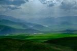 ... und dann immer wieder dieses Licht... Die Berge im Hintergrund sind die Grezne zum Iran.