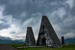 """Das """"Tor"""" zu Berg-Karabach in dunkler Stimmung."""
