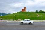 Mütterchen und Väterchen Berg-Karabach mit ortstypischem Gefährt.