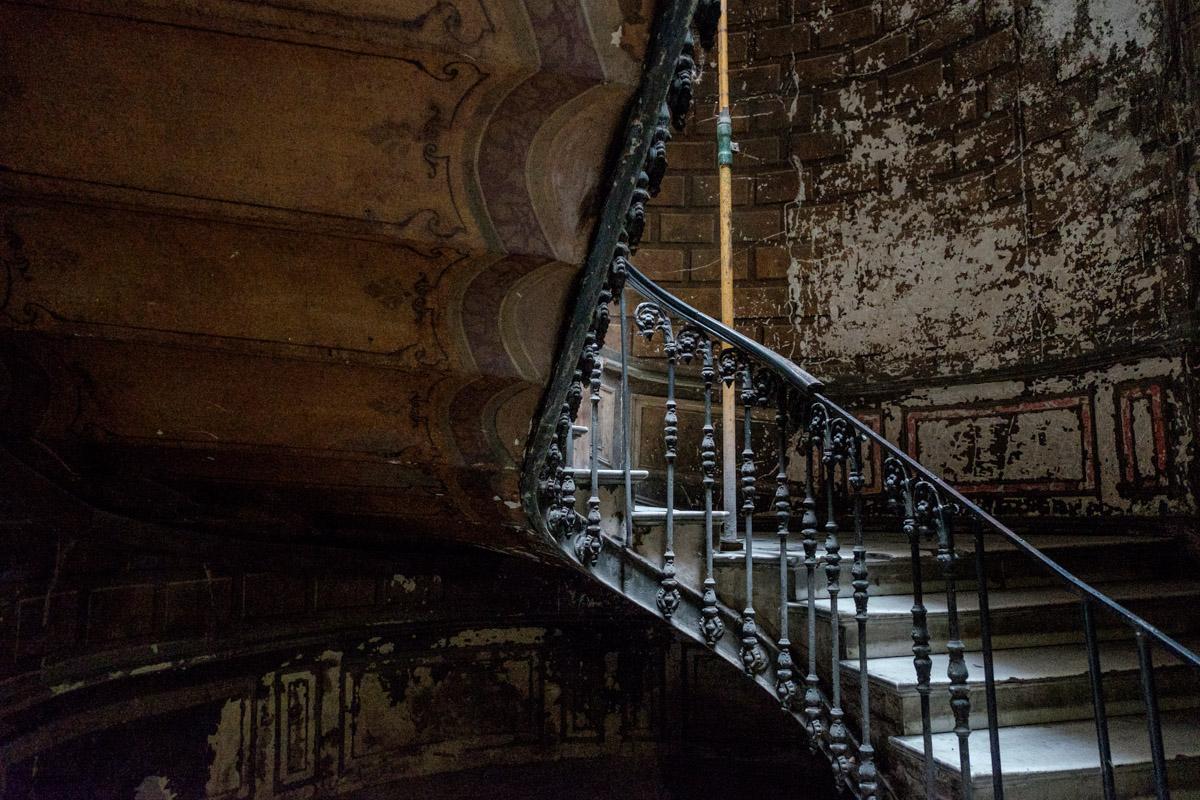 10990 Treppenhaus im ehemaligen Hotel Old London, heute ein Wohnhaus