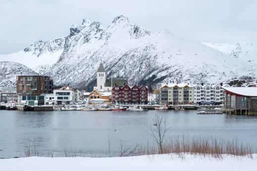 Svolvær von der Insel Svinøya gesehen
