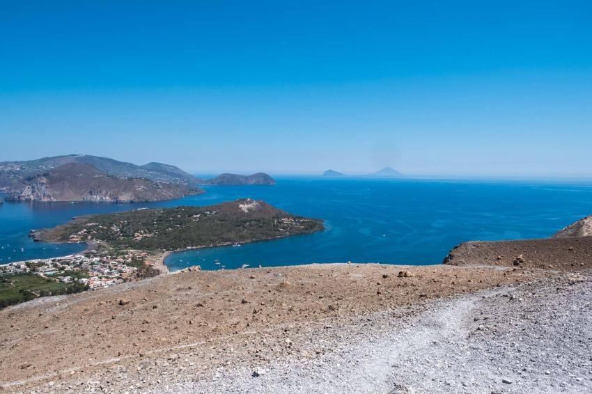 Ausblick auf Lipari, Panarea und Stromboli