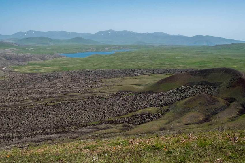 Der Austritt eines alten 14km langen Lavaflusses