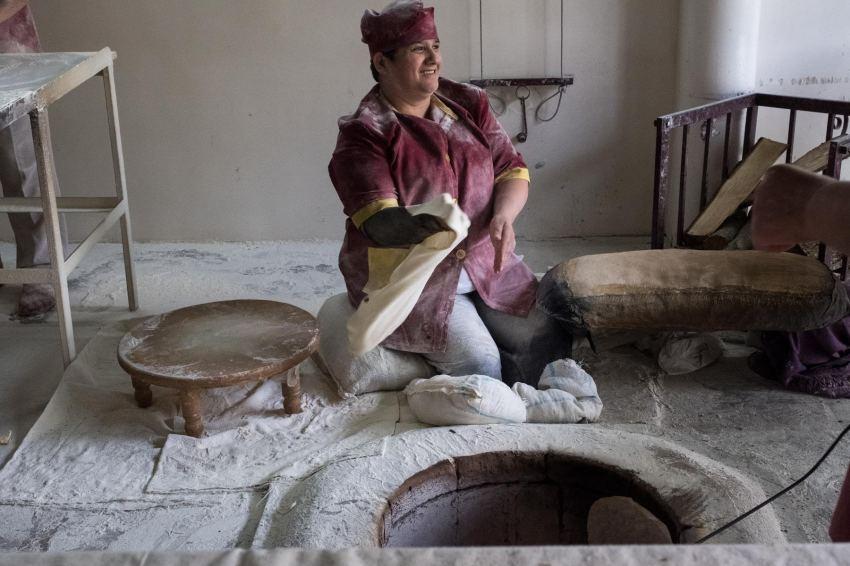 Da fleigt das Brot.... Lavashbäckerei in Goris