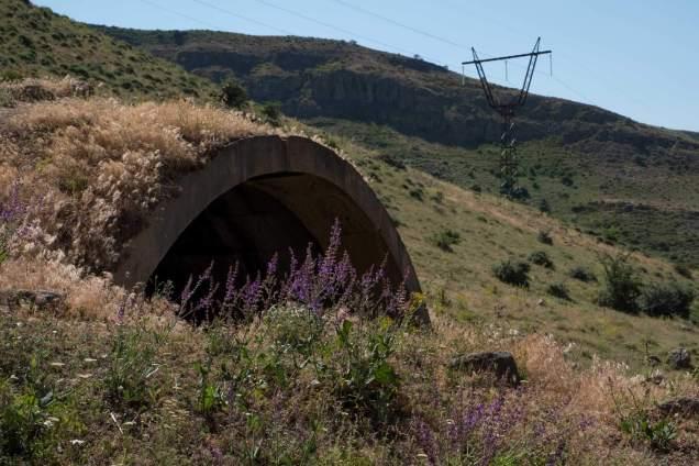 Kein Tunnel, sondern eine alte Karavanserei - Talstation