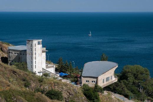 Sowjetisches Erholungsheim für Schriftsteller mit Sevansee - von oben