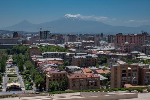 Yerevan mit dem Ararat im Hintergrund