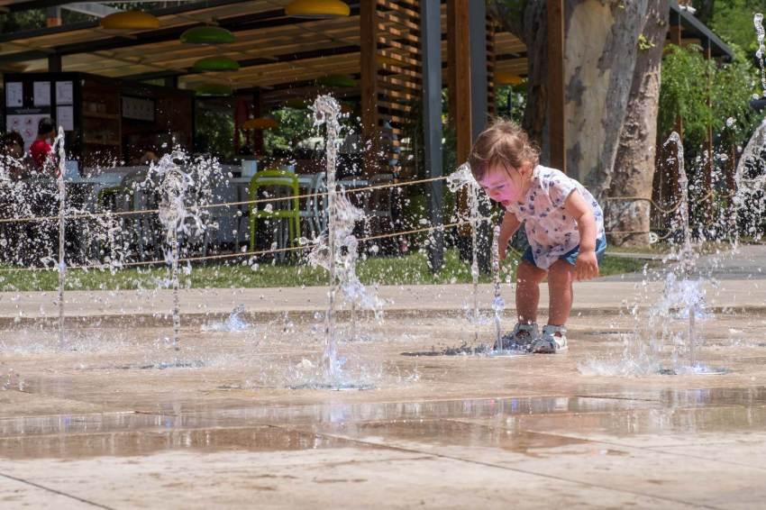 Die Parks genießen die Kleinen...