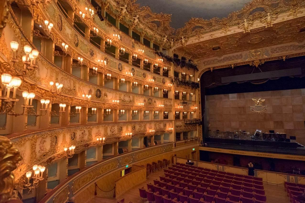 Dann schauen wir mal die Oper an - La Fenice