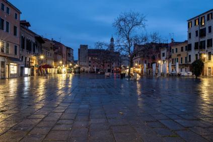 abends auf der Piazza