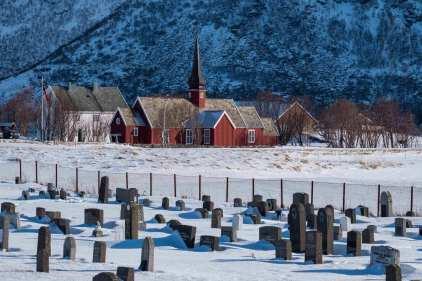 Flakstad Kirke - von Landseite