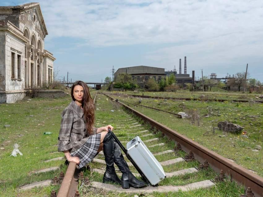 Mariam am alten Bahnhof