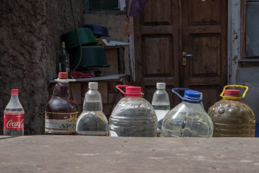 Typisch georgisches Getränkelager
