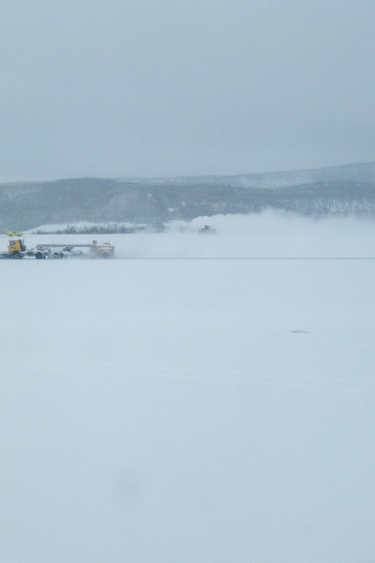 Flughafen - zugeschneit